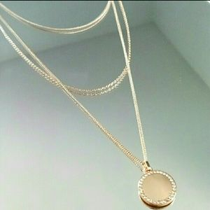 MUST BUNDLE Forever 21 Layered Pendant Necklace